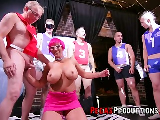 Extremely shove around pink haired whore Nalaa Dufoxx is ready to suck scores of dicks