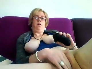 Chunky mature blonde Iveta toying her fat cunt