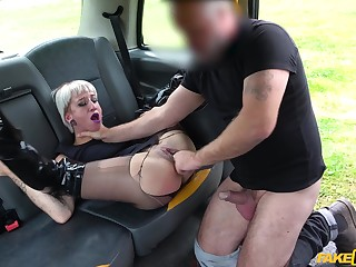 Naked mature rides transmitted to obedient man's cock opposite number crazy