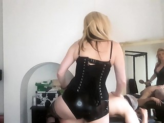 Femdom fetish hottie makes loser cum with strapon and hand