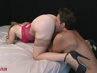 Big-boned bespectacled coddle Kiki Daire gets her big pussy stuffed full