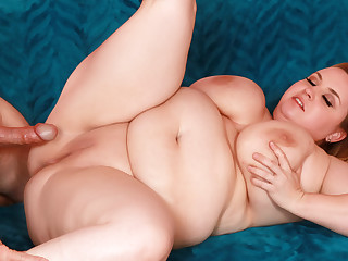 Blonde BBW Nikky Wilder Rides His Cock Till He Sprays Her Big Natural Breast