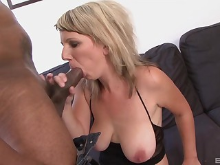 Estimable cock sucking skills the blonde beauty has