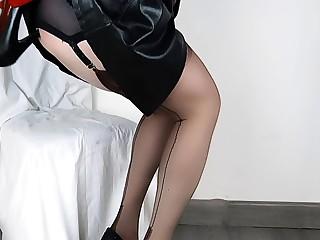 Lady Lulu Lovely Anal Shoe Fuck