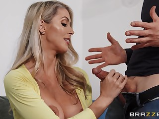 Sexy stepmom Holly Hotwife breaks in her annoying stepson