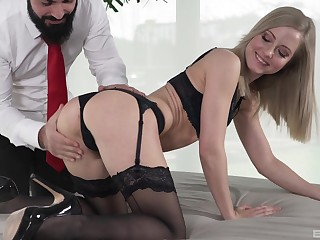 Slim babe sits on all several while feeling a performed penis hitting her newcomer disabuse of behind