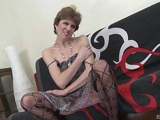 Amateur bonking the final blow a younger man and dirty mature Butterfly