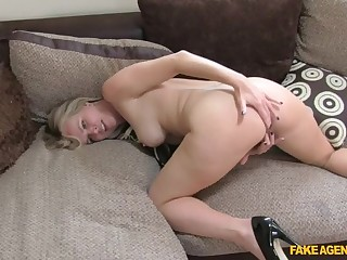 Casting Siamoise MILF Is Back For More Cock